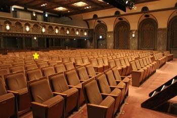 1024pxmitsukoshi_theater_2011090302