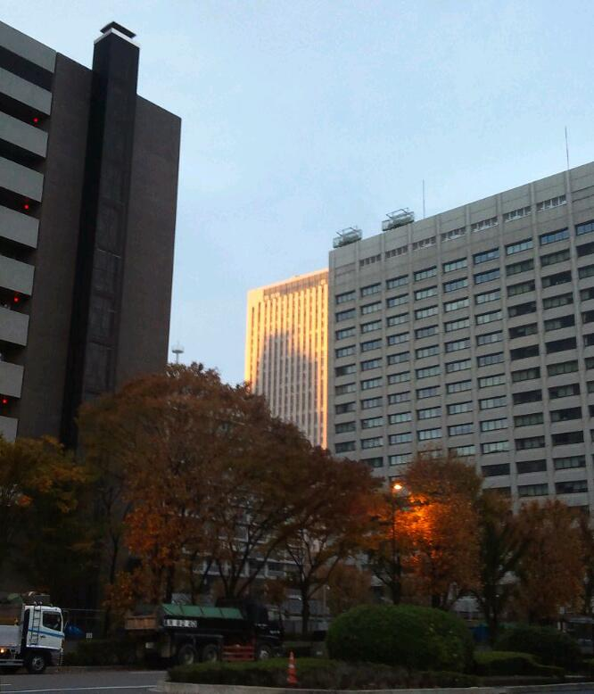オフィス街の朝