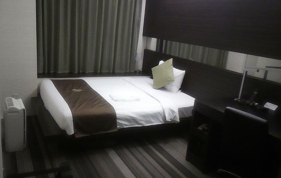 独りホテルで
