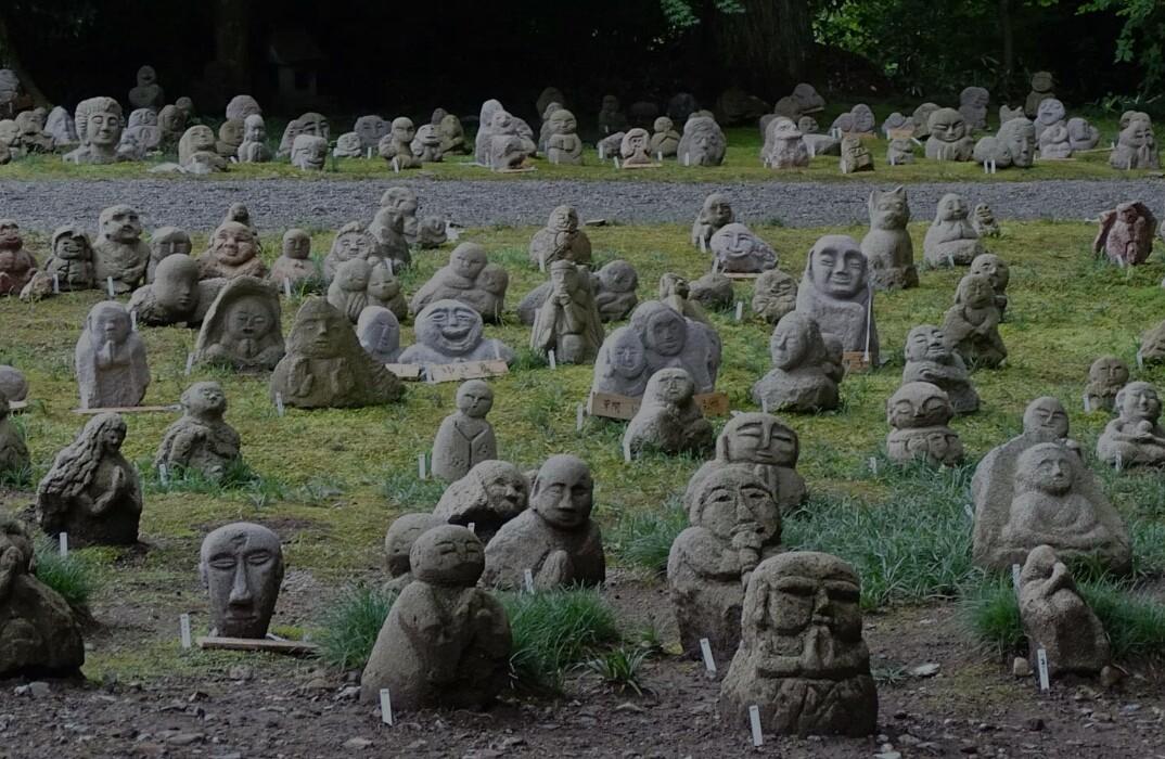 鎮魂の五百羅漢像