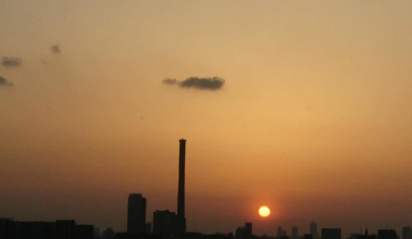 夕陽と満月