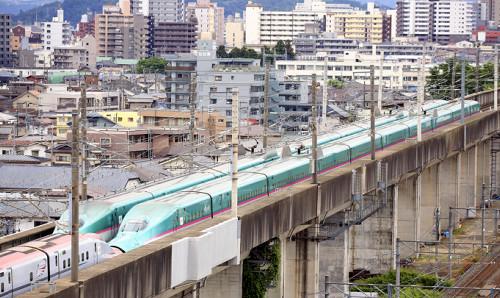 東北新幹線停電