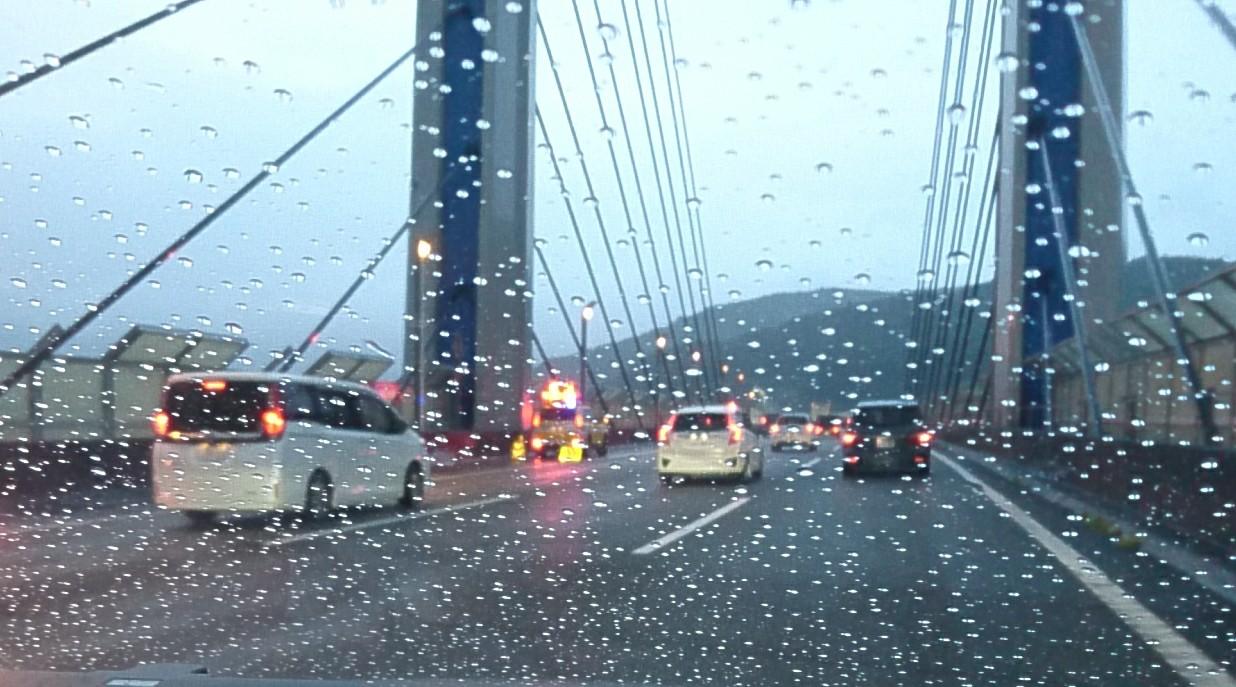 ゲリラ豪雨と渋滞